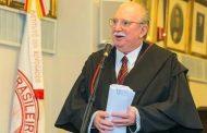 Jurista Aurélio Wander Bastos prepara livro sobre a Constituição