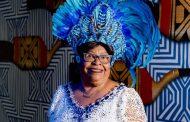 Musa do Camarote Portela, Tia Surica leva todo seu charme para Sapucaí