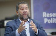 Carlos Lupi diz à Internacional Socialista que Brasil é refém de governo irresponsável