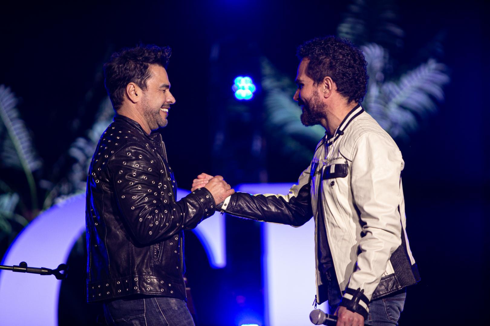Zezé Di Camargo e Luciano alcançam mais de 3 milhões em show virtual pelo Dia Das Mães