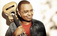 Dudu Nobre agita nas lives e se prepara para lançar livro sobre sua vivência no samba