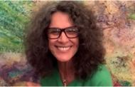 Cantora Simone transmite live em seus canais oficiais