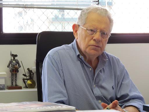 """Acadêmico Arnaldo Niskier lança """"Memórias da Quarentena"""""""