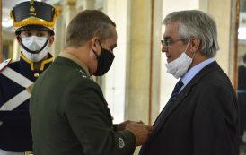 Gilberto Ururahy é condecorado com a Medalha do Exército Brasileiro