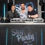 Eduardo Muniz com os DJs Rafael Nazareth (E) e Tepper (D)