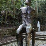Parque da Catacumba - escultura Homem Sentado, de Mario Agostinelli