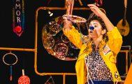 Palhaça Amora apresenta seu espetáculo solo