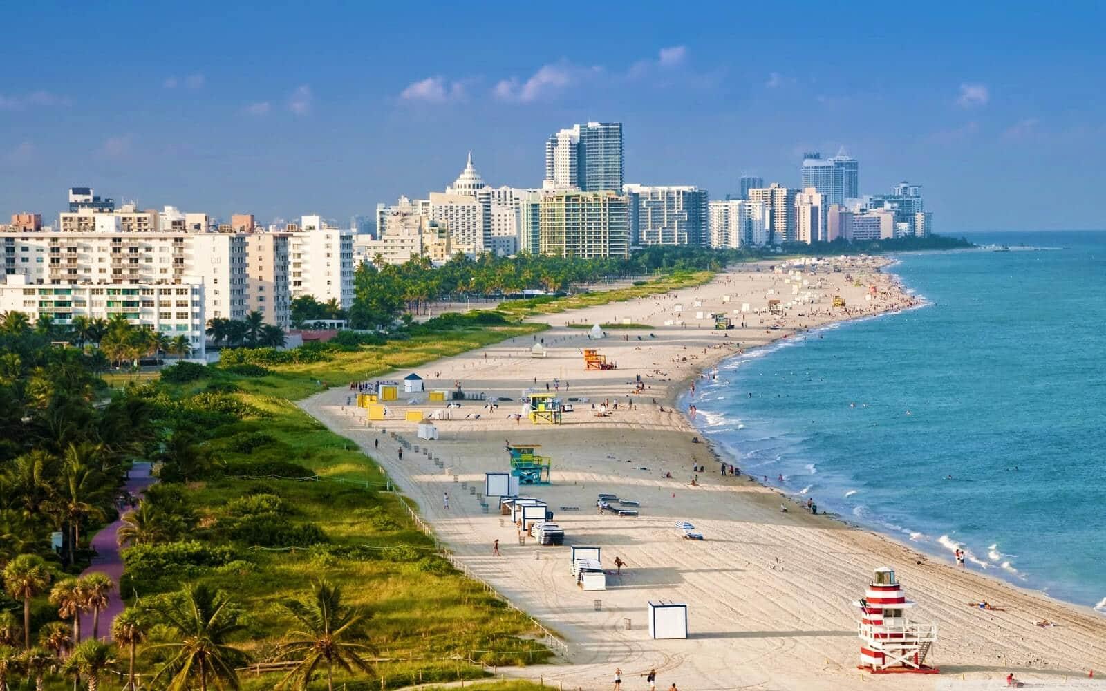 Em Miami, vacina na praia