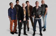 Band apresenta show ao vivo do Roupa Nova