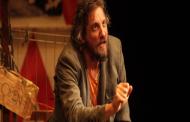 """Espetáculo """"Nefelibato"""" faz últimas apresentações no Teatro PetraGold"""