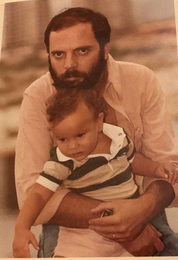 Meu filho e o pai dele, no século passado, em foto do inesquecível Aníbal Philot